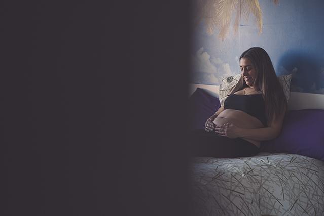sesión fotografia documental de embarazo en León